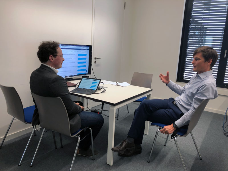 Prof. Kampker im Gespräch mit Benedikt Hürter